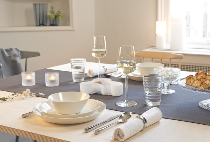 Iittala white and classic table setting with Teema tableware | #mijnservies