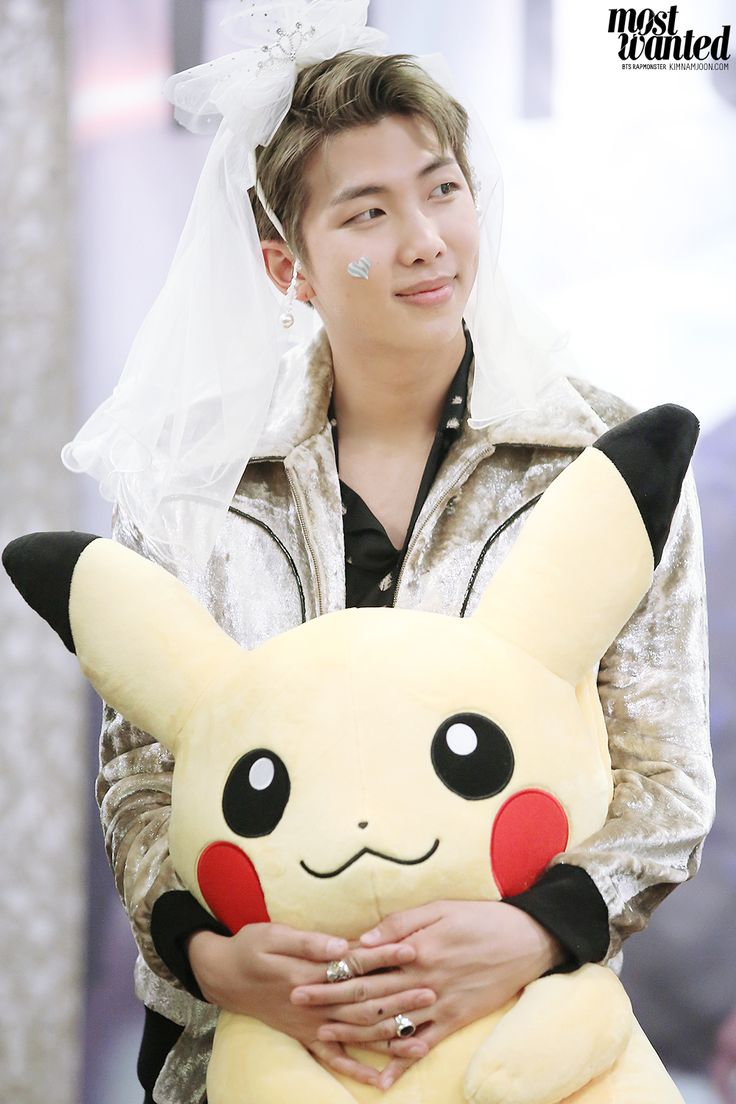 married to jin >.<