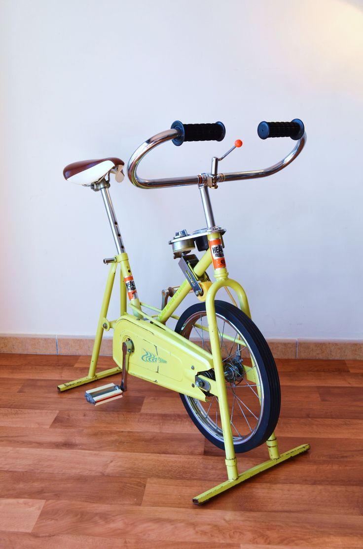 ANTIGUA BICICLETA ESTÁTICA VINTAGE JAPONESA AÑOS 70. Para ver más fotos al detalle, descripción y precio, clica en el siguiente enlace: http://tabanovintage.blogspot.com.es/2014/10/bicicleta-estatica-vintage-japonesa.html#links