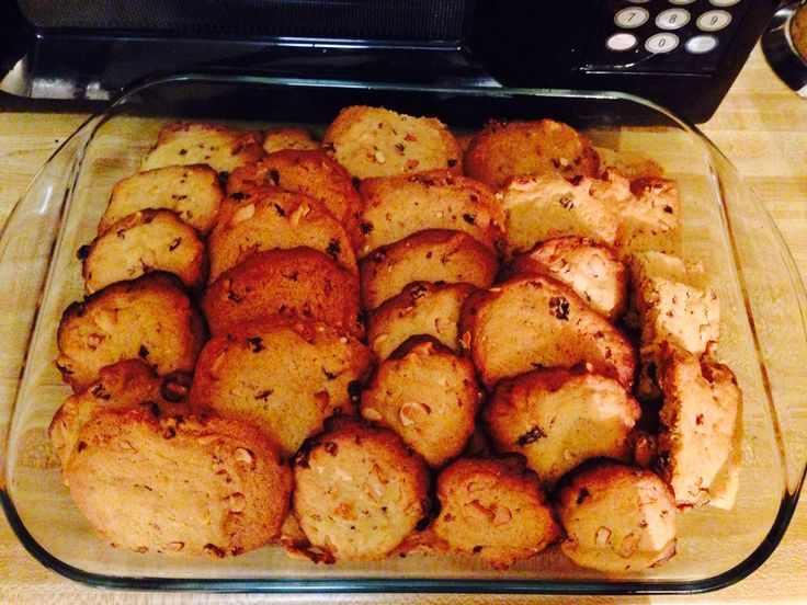 Rasin and cashew nut cookies