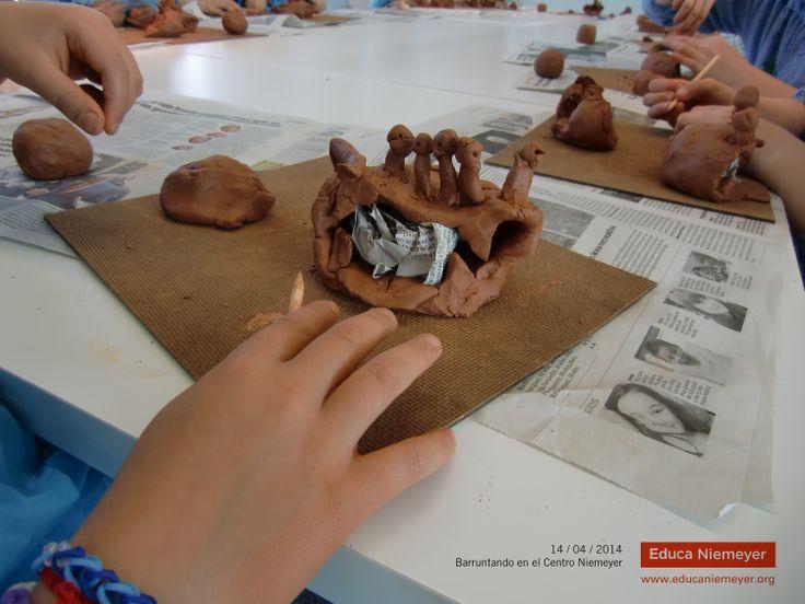 """14 / 04 / 2014 - """"Barruntando"""" en familia en el Centro Niemeyer"""