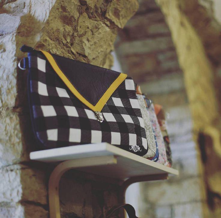 Žlutý pruh / Yellow stripe #valer #valerstudio #valerkarlin #style #madeinhome #bags #czechmade #prague #praha8 #praha #karlin #fashion #gallery