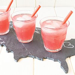 "Watermelemonade!Watermelon- Lemonade is refreshing, easy to make and with a splash of wodka you have a grown up ""drink before dinner""!"