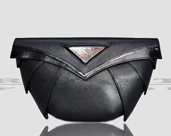 Sac en cuir noir, vêtements gothique, style unique, embrayage goth, sac à main de luxe, sac à main noir, pochette futuriste, le cadeau idéal pour lui