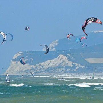 You can still enjoy the thrill of outdoor sports this month across the Cote d'Opale coast, kite surfing is a favourite of the Dunkirk and Wimereux locals.  Photo by the Nord-Pas de Calais tourism site.  #windsurf #kitesurf #outdoors #sport #watersports #outdoorpursuits #france #French #cotedopale #coastline #travel #travelinspiration #instatravel #dfds #dfdsseaways