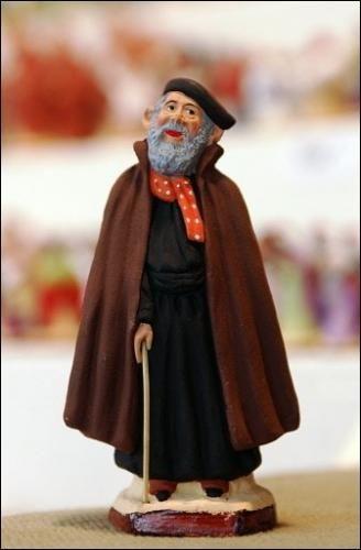 Figurine de l'abbé Pierre, de Jacques Flore