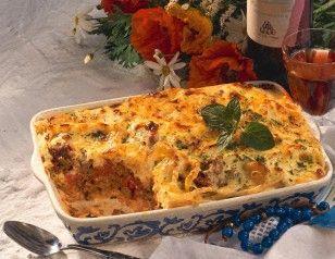 Das Rezept für Pastizio makaronia (Makkaroni-Auflauf mit Hackfleisch) und weitere kostenlose Rezepte auf LECKER.de
