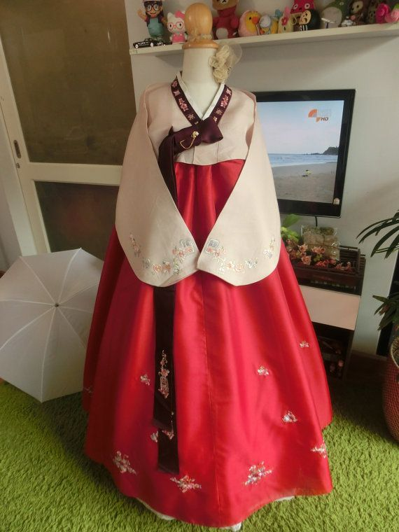 Luxury Korean Traditional Clothes Dress HANBOK WOMAN by kimonocuty