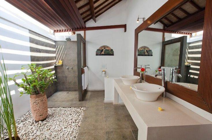 Villa Noa Seminyak Bali Indonesia In 2020 Outdoor Bathrooms Bali Style Home Outdoor Bathroom Design