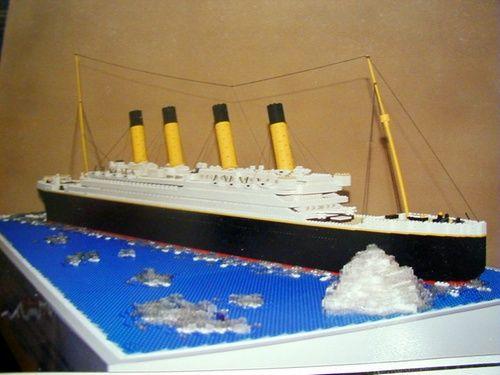 LEGO TITANIC Model: A LEGO® creation by William W. : MOCpages.com -- Wonderful design.