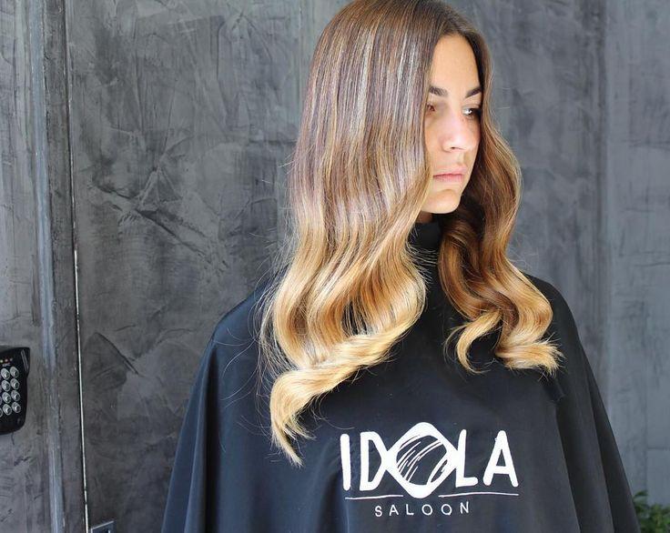 Lasciati tentare da una Dolce Riflessatura✨Miele✨Un Buongiorno Luminoso Per chi vuole donare giusto un tocco di luce ai suoi capelli✨  Noi ci troviamo a Piazza nazionale 42a 43 📞PER INFO: 081201024 ✅WHATSAPP: 3317443476 ✂️HAIR IDOLA SALOON  #idola #saloon #parrucchieri #arte #napoli  #fashion #hair #cut #Napolistyle  #amalfi #portici #salerno #sorrento #Ischia #procida #capri #caserta #salerno #Bari #firenze #roma #milano #blogger #wedding #ombrehair #extension #pigmenti #color #style…