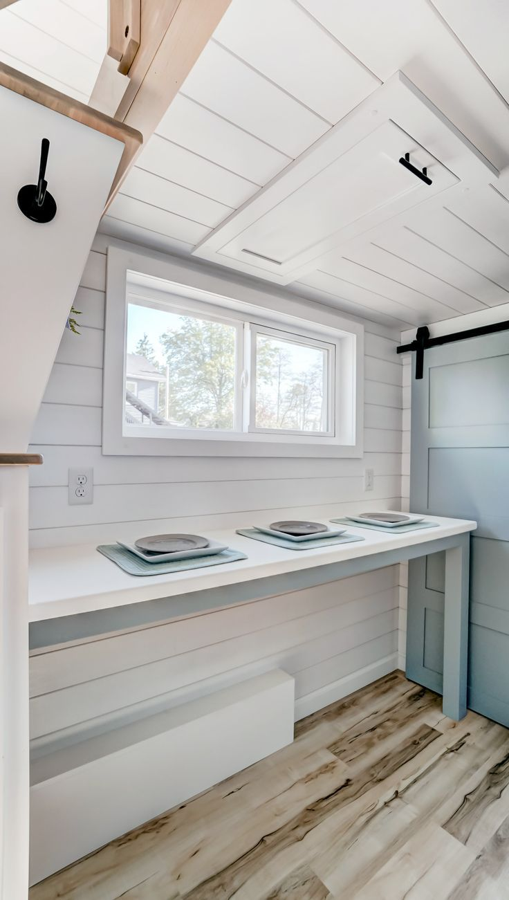 30 fuß vor hause design breakfast nook in ocracoke a  ft tiny house on wheels by modern