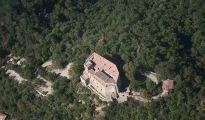 Castello dal Verme, in Zavattarello, Lombardy (link: http://immaginitalia.it/en/castles/lombardy/zavattarello-castello-dal-verme/)