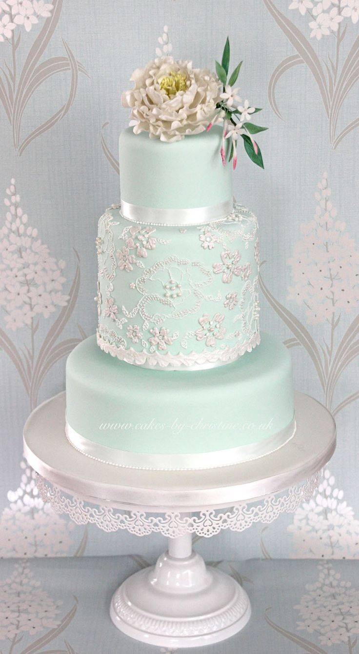 mint green wedding cake ideas best 25 mint green cakes ideas on mint 17453