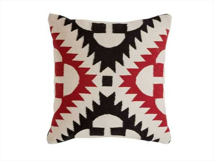 Touareg cojin pillow by Sandra Figuerola for Gan Rugs