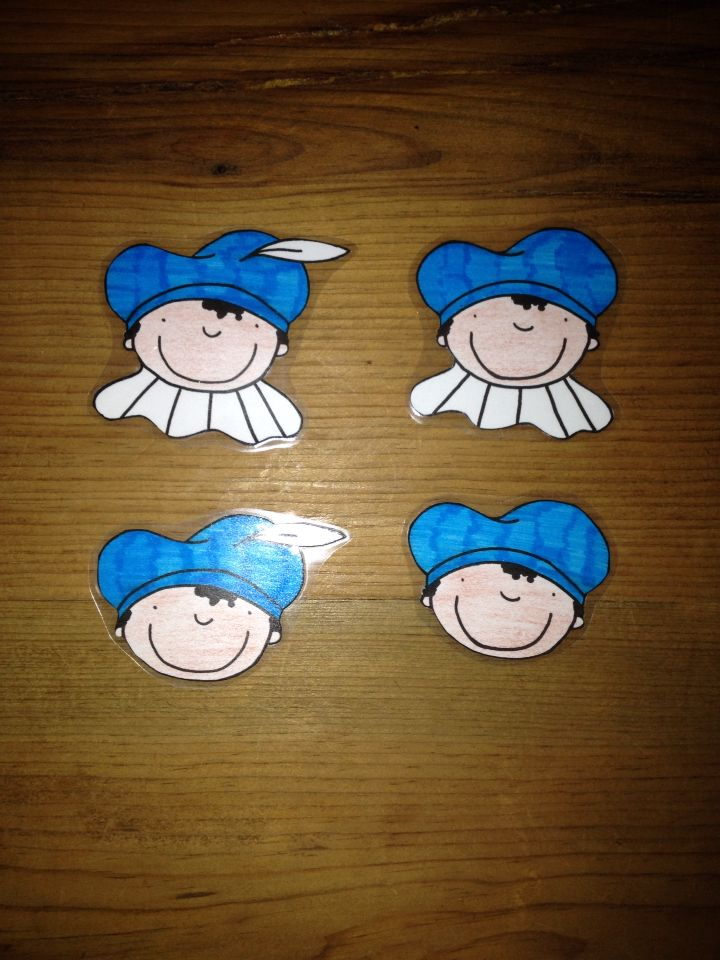 Logiset Zwarte Piet klein (in blauw, groen, geel en rood/ met en zonder kraag of veer)