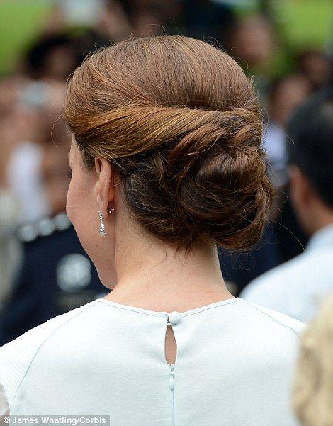 beautiful 1940s wedding hair