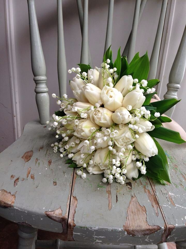 White Tulips and Lilly of The Valley - so chic!