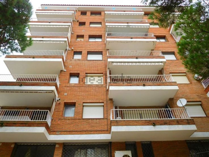 Imagen Fachada de piso en avenida Vila de Madrid, Els Pins, Blanes