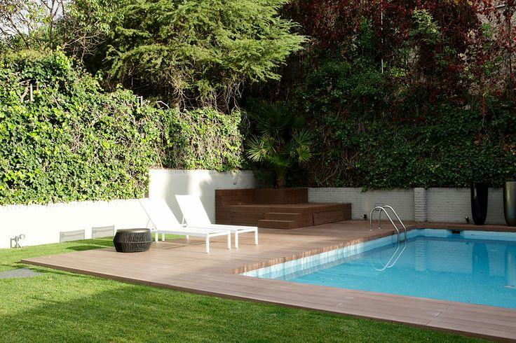 Ideas de paisajismo de exterior jardin piscina for Paisajismo para piscinas