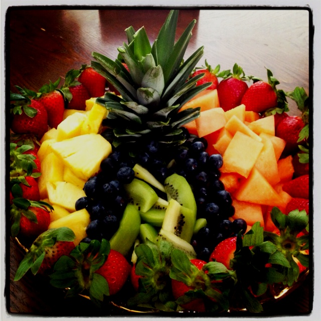 how to make a beautiful fruit tray