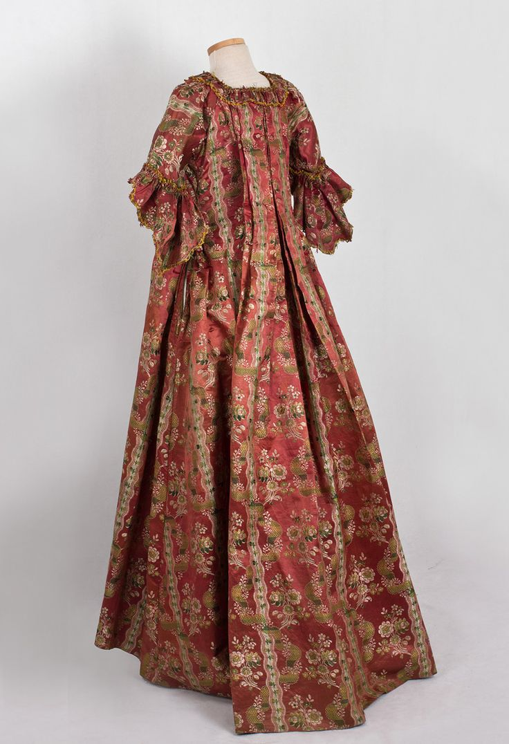 18th Century Clothing at Vintage Textile: #2019 Robe a la francaise