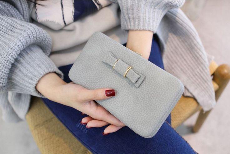Velmi prostorná kožená dámská peněženka s mašličkou – šedá – SLEVA 70 % + POŠTOVNÉ ZDARMA Na tento produkt se vztahuje nejen zajímavá sleva, ale také poštovné zdarma! Využij této výhodné nabídky a ušetři na …
