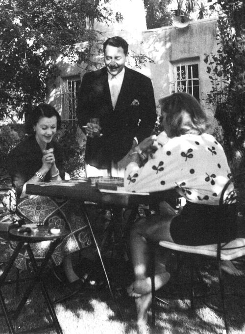 Vivien Leigh and Lauren Bacall playing Gin Rummy photographed by Jean Howard