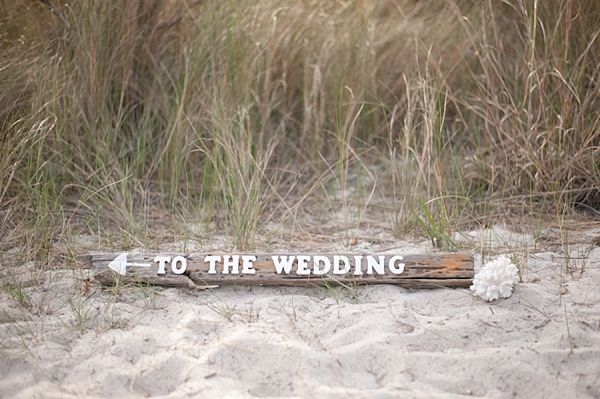 driftwood wedding sign | Mint and Lavender Beach Wedding Ideas | Style by Design | Sarah Street Photography | Heart Love Weddings