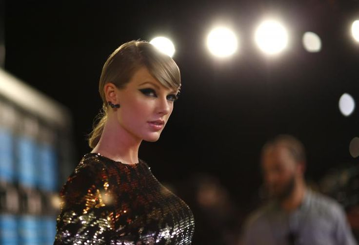 Taylor Swift's controversial video 'Wildest Dreams' under fire: director Joseph Kahn speaks up   http://www.ibtimes.com.au/taylor-swifts-controversial-video-wildest-dreams-under-fire-director-joseph-kahn-speaks-1464216