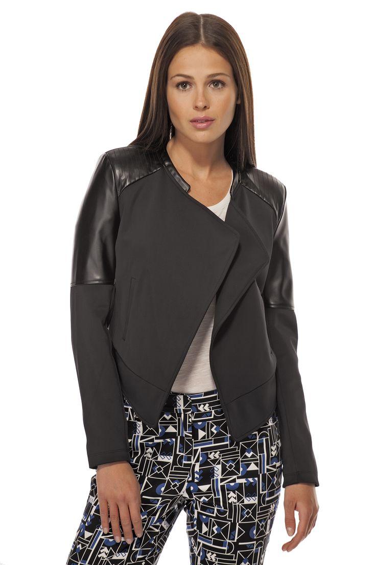 Perfecto avec faux cuir / Perfecto jacket with faux leather https://www.tristanstyle.com/en/femmes/vestons/perfecto-avec-faux-cuir/9/fv110c0689z/