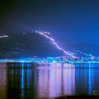 #Trapani nocturnal skyline with #Erice enlightnened cableway http://www.casafarofavignana.com/favignana/