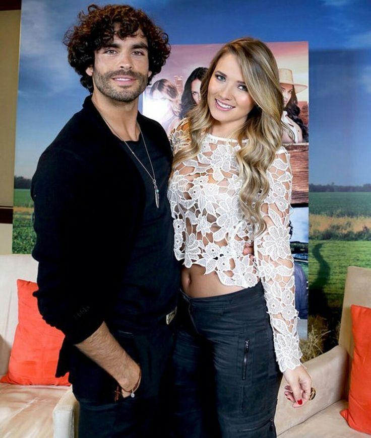 Gonzalo García Vivanco y Kimberly Dos Ramos - Tierra de Reyes
