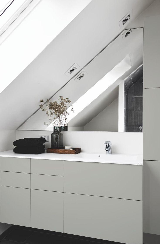 Skal du have nyt badeværelse – eller trænger det gamle til fornyelse? Vi har spottet 14 hotte badtendenser lige nu. Glæd dig til masser af træ, grafiske greb, cool detaljer, rå luksus, statement pieces – og smarte løsninger til dig, der bor småt.