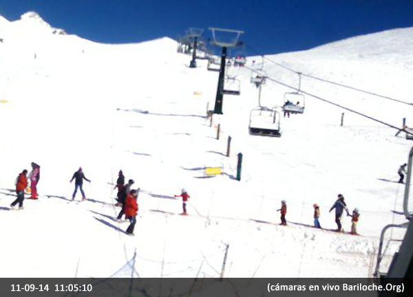 Jueves soleado en Bariloche, 2° la temperatura actual, poco viento. Un día increíble para disfrutar la montaña! Los dejamos con esta foto en Vivo desde TS Diente de Caballo.  Más cámaras en vivo: www.bariloche.org