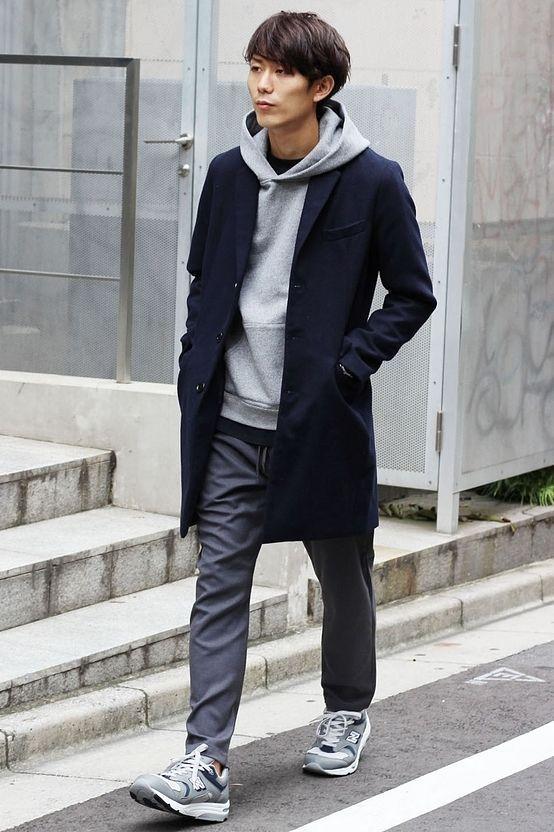 コートスタイル  肌寒い季節に丁度良い薄さのコート。 フードパーカーと合わせればカジュアルとしても使える一着。シャツスタイルにすれば綺麗な印象に演出も出来る便利なアイテムです。