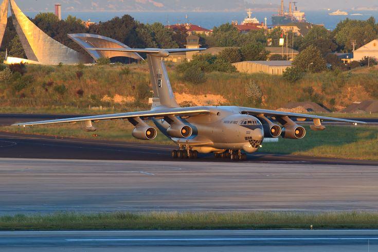 Iliouchine | AviationsMilitaires.net — Iliouchine Il-78 (OTAN : Midas)