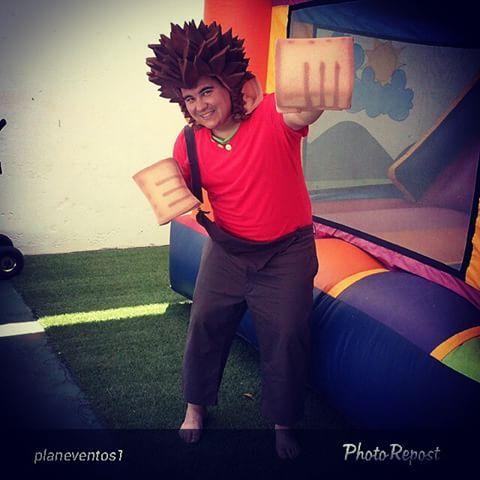 """#TBT Hoy recordamos los puños y peluca de #Ralph #ElDemoledor que elaboramos para recrear #fiestas #infantiles #personaje #animación #eventos By @planeventos1 """"#ralpheldemoledor @ceiburbujas"""""""