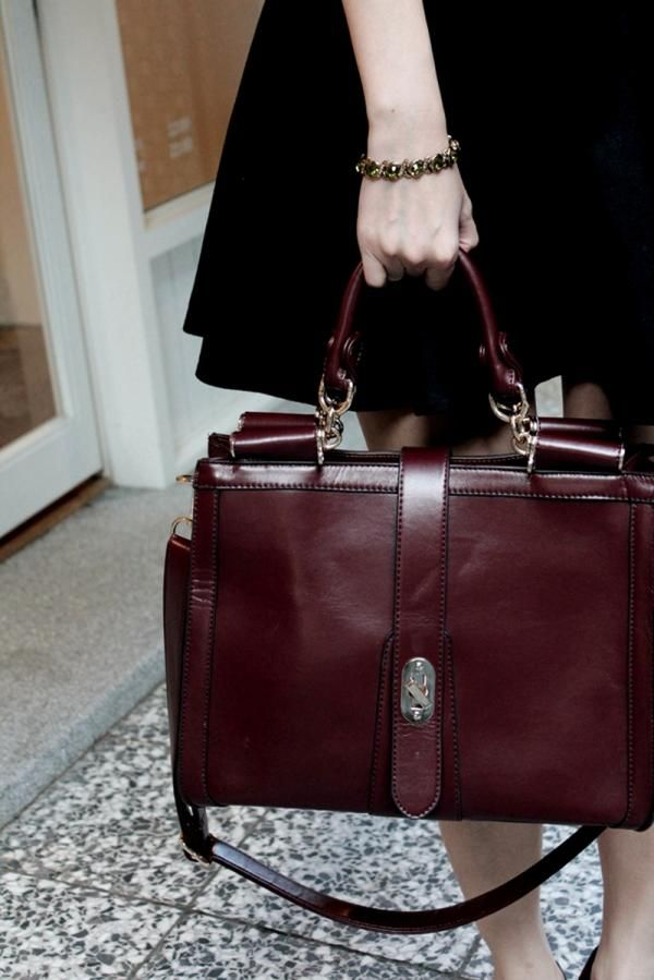 burgundy bag for fall street style totes adore