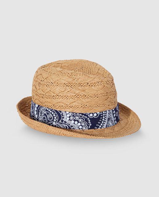 Sombrero tipo trilby en color camel con cinta estilo bandana en azul. 2ee296dce85