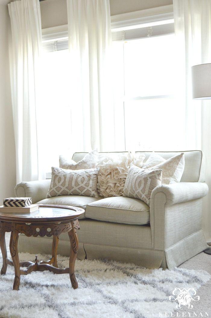 Bedroom Sitting Room Design Ideas: Best 25+ Bedroom Sitting Room Ideas On Pinterest