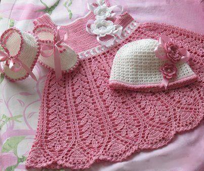 Resultado de imagen para vestidos para bebe tejidos con patrones