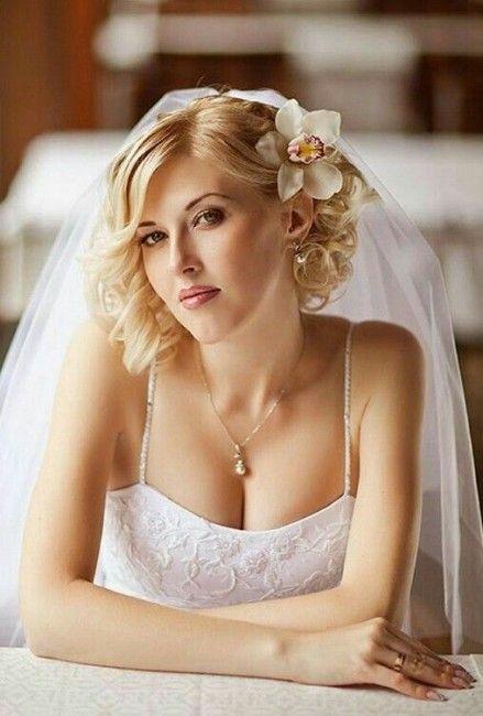 Sposa con i capelli corti: acconciature per il matrimonio