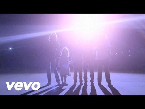 M83 - Midnight City - YouTube