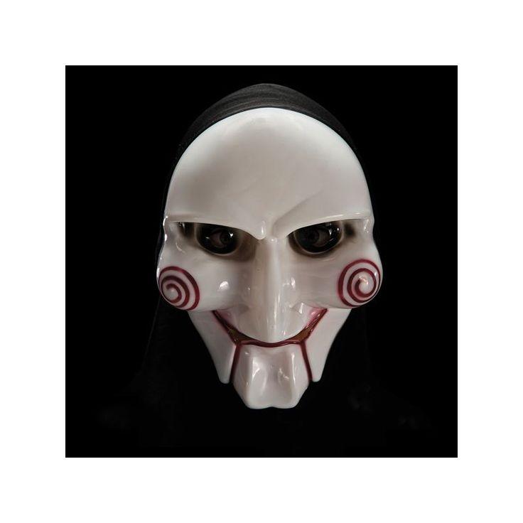Ce masque représenant la marionnette de Saw est entièrement en plastique. Il dispose d'un voile noir pour couvrir l'arrière de la tête. Pratique et efficace pour vous déguiser rapidement avec une simple veste de costume!