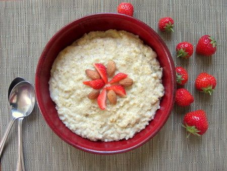 Slow cooker crock pot oatmeal recipe made creamy with almonds. Perfect breakfast porridge or breakfast oats. Crock pot recipe.