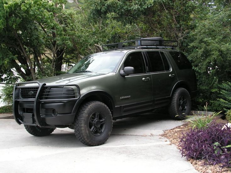 2006 Ford Explorere, lifted I really like this vehicle! Looks nice after some work!