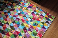 Can't wait till I have enough scraps to make this quilt!Colors Triangles, Quilt Ideas, Scrap Attack, Triangle Quilts, Triangles Quilt, Scrap Quilt, Quilt Tutorials, Sewing Tutorials, Quilt Pattern