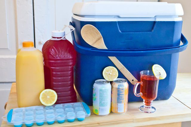 There are as many ways to make hunch punch as there are people willing to drink it. Whether you call it jungle juice, spodie, purple death, harry buffalo or wapatoola, hunch punch contains two primary ingredients — grain-based alcohol and fruit juice. Time, availability of ingredients and your budget may determine whether you go with …