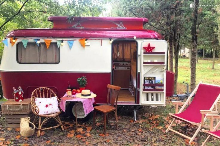 Qué es el glamping? 4 propuestas con mucho glam sin ir muy lejos  Glam glam glamping! yurta tienda safari caravanas tipis el glamping llega a nuestras vidas! Glamping o glamorous camping. Sí ir de camping es cool. Se trata de un creciente fenómeno global que combina la experiencia de acampar al aire libre con el lujo y las comodidades de los mejores hoteles.  Llamado también boutique camping luxury camping comfy camping e incluso posh camping el glamping es una variante del turismo de…
